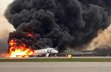 Avión se accidenta en Rusia y provoca la muerte de 41 ocupantes