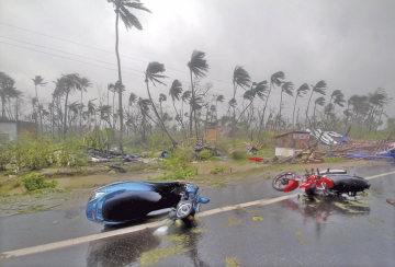 Ciclón causa 14 muertes en India y Bangladesh