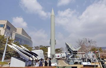 Corea del Norte ejecuta pruebas de lanzacohetes