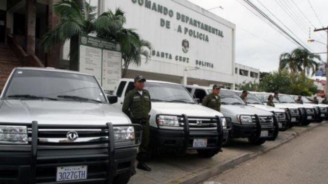 Montenegro recibió distinciones de varias unidades policiales