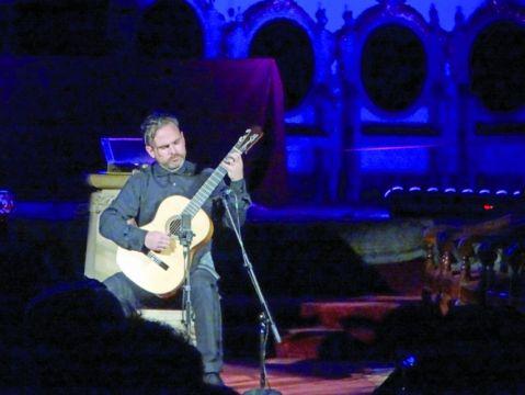Las cuerdas de guitarra vuelven a vibrar en Sucre
