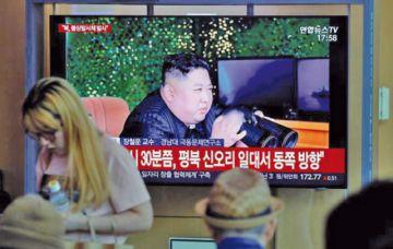 Kim supervisó lanzamiento de misiles