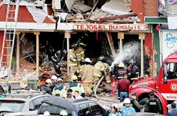 Cuatro muertos en barrio residencial por explosión