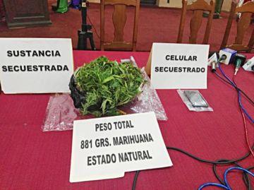 Detienen a un joven con 881 gramos de marihuana