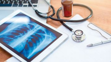 Analizarán implementar salud digital en Bolivia