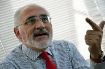 """Mesa ve """"abuso de poder"""" en investigación a críticos de Romero"""