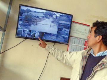 Colocarán cien cámaras en 43 unidades educativas