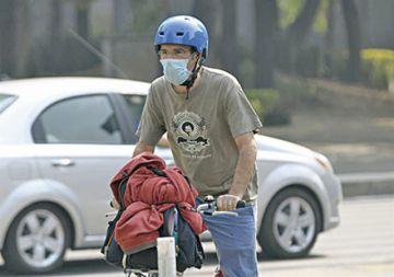 México suspende clases por contaminación ambiental