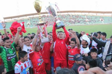 Inde, Stormer's y la U competirán por la plaza perdida en el fútbol profesional