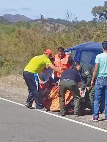 Aiquile: Muere mujer en choque de trufi