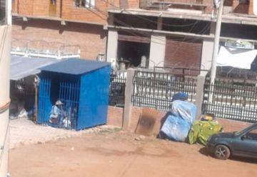 Exigen retiro de casetas del mercado Evo Morales