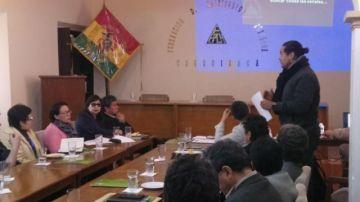 Empresarios trazan ruta de cara al Bicentenario