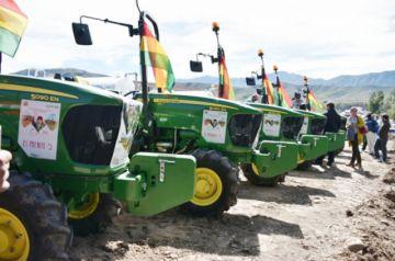 La Alcaldía facilitará  tractores a productores