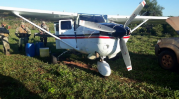 Identifican a dueño de avioneta que tenía matrícula boliviana y viajaba con droga