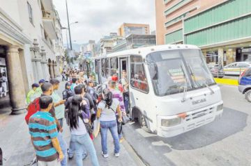 EEUU persiste en táctica para debilitar a Maduro