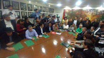 Opositores dan ultimátum para que vocales del TSE renuncien