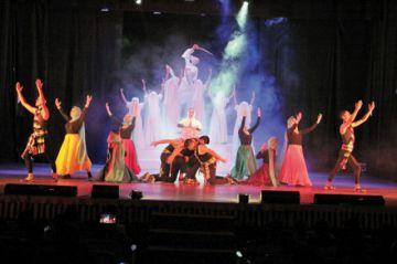 GilDance invita a festival y rinde honores a Juana