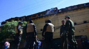 Reos ejecutan motín y denuncian cobros irregulares en cárcel San Sebastián