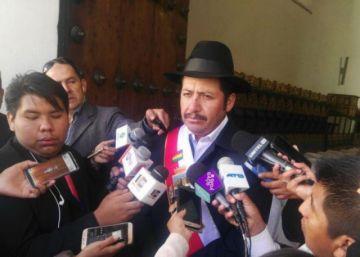 Gobernador convoca a la unidad y justifica ausencia de Evo