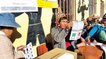 Seis municipios aprueban sus normas autonómicas