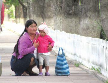 No hay mirada de género para las madres tras rejas