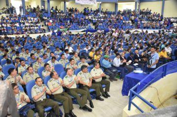 """Cumbre: Presidente Morales pide """"desmilitarizar"""" a la Policía"""