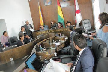 Concejo define directiva con el voto de Maldonado