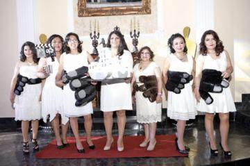 Películas y disfraces en el encuentro anual de promociones del María