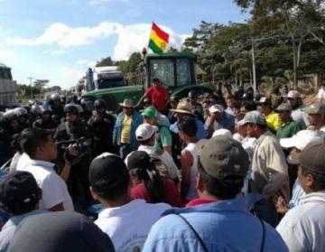 Montero: Productores retoman  bloqueo tras tregua de 20 minutos