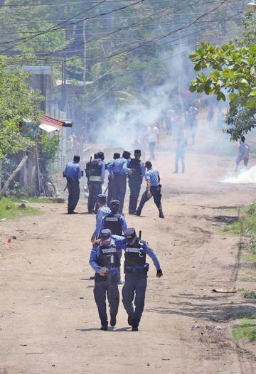 Maestros y médicos paralizan Honduras
