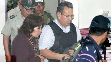 Médicos evalúan salud de narcopolicía Medina