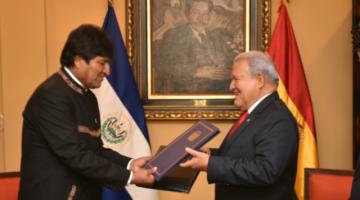 Bolivia y El Salvador firman acuerdo para suprimir visas