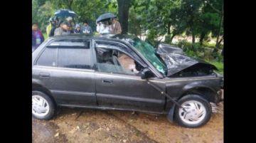Hombre fallece tras colisionar su vehículo