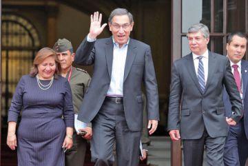 El Presidente de Perú renuncia a inmunidad