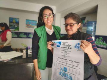 Una ama de casa de Sucre gana el premio mayor de la Lotería Nacional