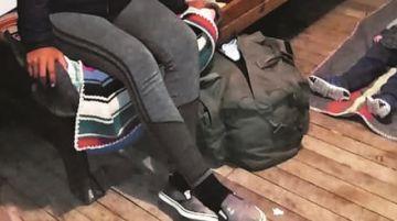 Adolescente asfixia a su bebé y trata de enterrarlo