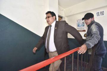 Diputado Barral es aprehendido por extorsión y culpa a Edgar Patana