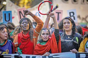 Mujeres argentinas piden frenar ola de feminicidios