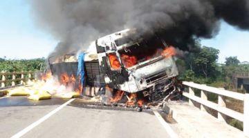 Chofer de camión que se incendió se dio a la fuga