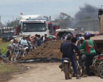Productores de soya bloquean  la carretera Santa Cruz-Beni