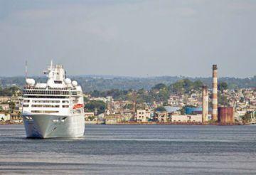 Prohibición de cruceros afectará a 800 mil reservas