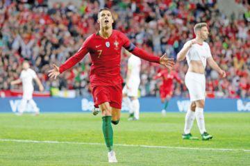 Cristiano clasifica a Portugal