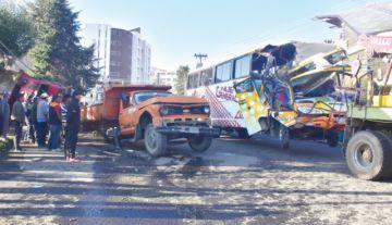 La Paz: Colisión múltiple causa un muerto