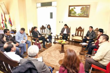Litio: Compromiso de Evo siembra dudas en cívicos