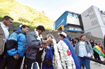 Se inaugura hidroeléctrica con miras a la exportación