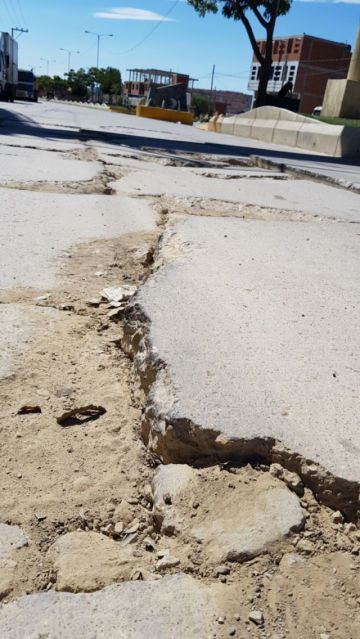 """Se comprometen a reparar avenida """"Dakar"""""""