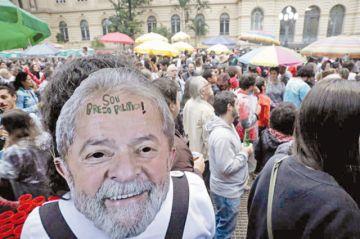 "PT de Lula pide movilizarse contra ""farsa"" de la justicia"