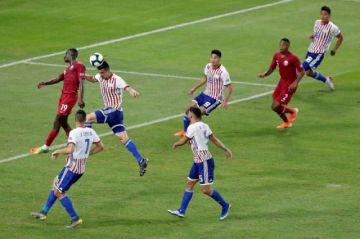 Qatar empata con Paraguay (2-2) y hace historia