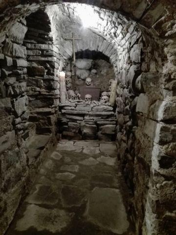 Cementerios conventuales… las famosas criptas