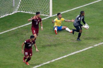 Brasil no puede ni con Venezuela ni con el VAR